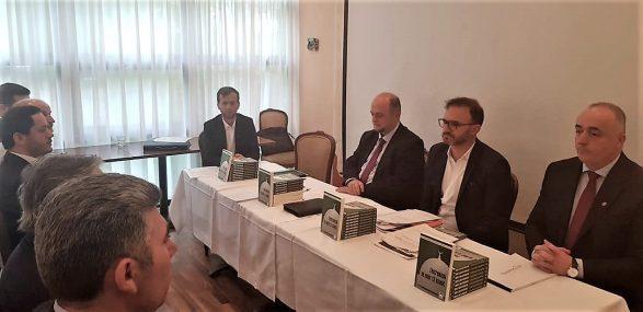 """Promovohet në Bernë libri """"Ekstremizmi në emër të Islamit"""""""